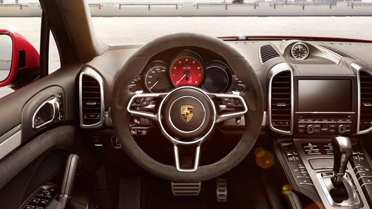 Porsche-GTS-8