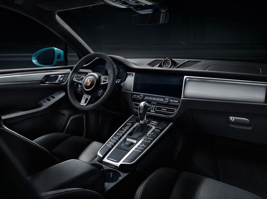 Porsche Macan S-8