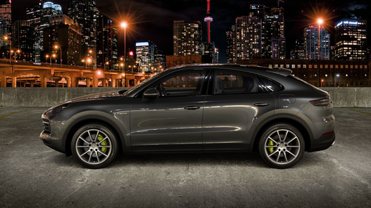 Porsche_Cayenne_Coupe_E-Hybrid_Litur-4