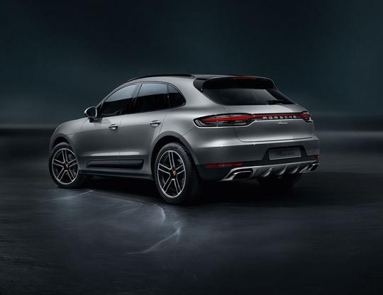Porsche Macan-19